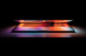 Apple Arm İşlemcili Macbook