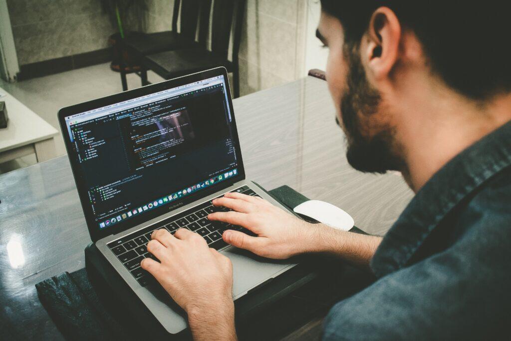bir bilgisayar programcısı nasıl düşünmeli