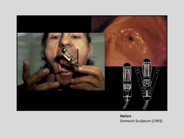 performans sanatları ve teknoloji için kamera yutan sanatçı görseli