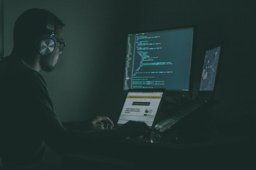 Rus hackerlar covid-19