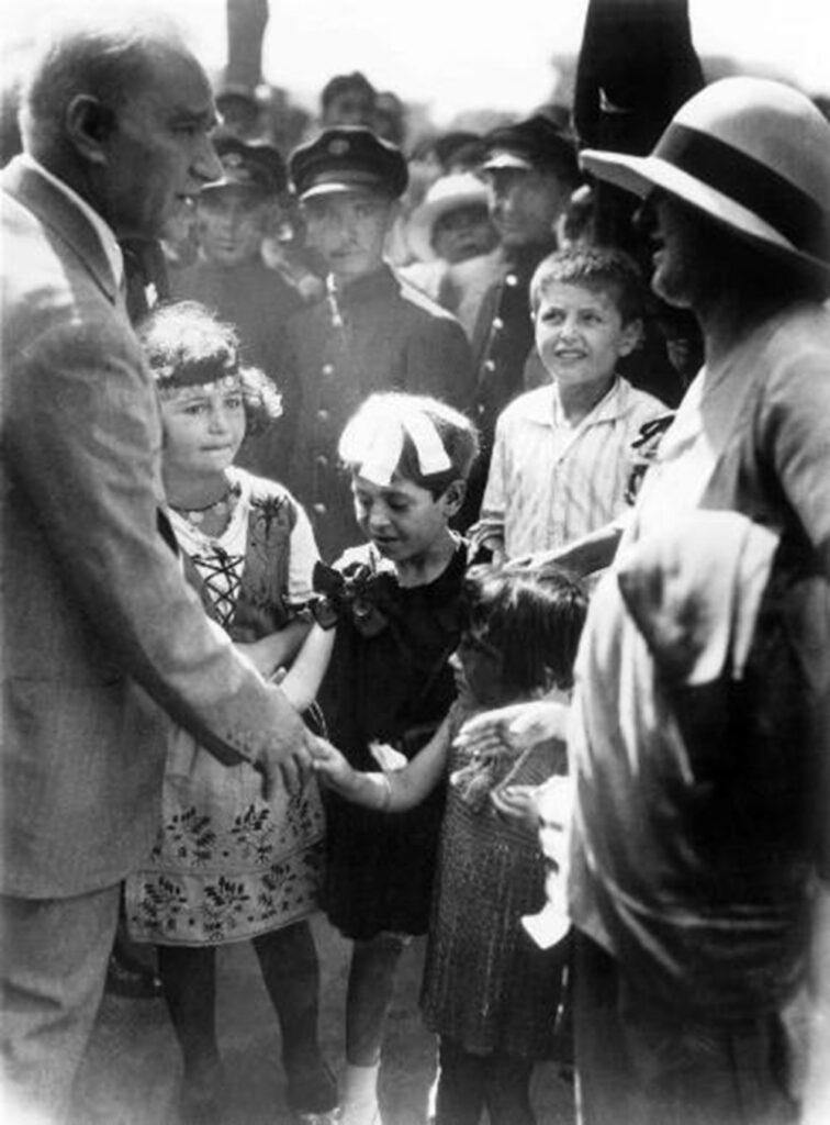 Atatürk ve Türk Gençliği
