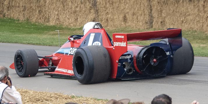 Formula-1-in-yasaklanan-teknolojileri-listesi-ve-Fan-car-Brabham-F1.
