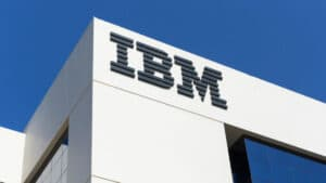 ibm-power10-islemcisini-tanitti