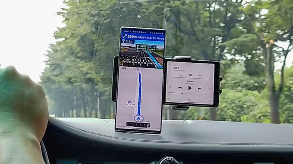 lg-cift-ekranli-telefon-sizdirildi