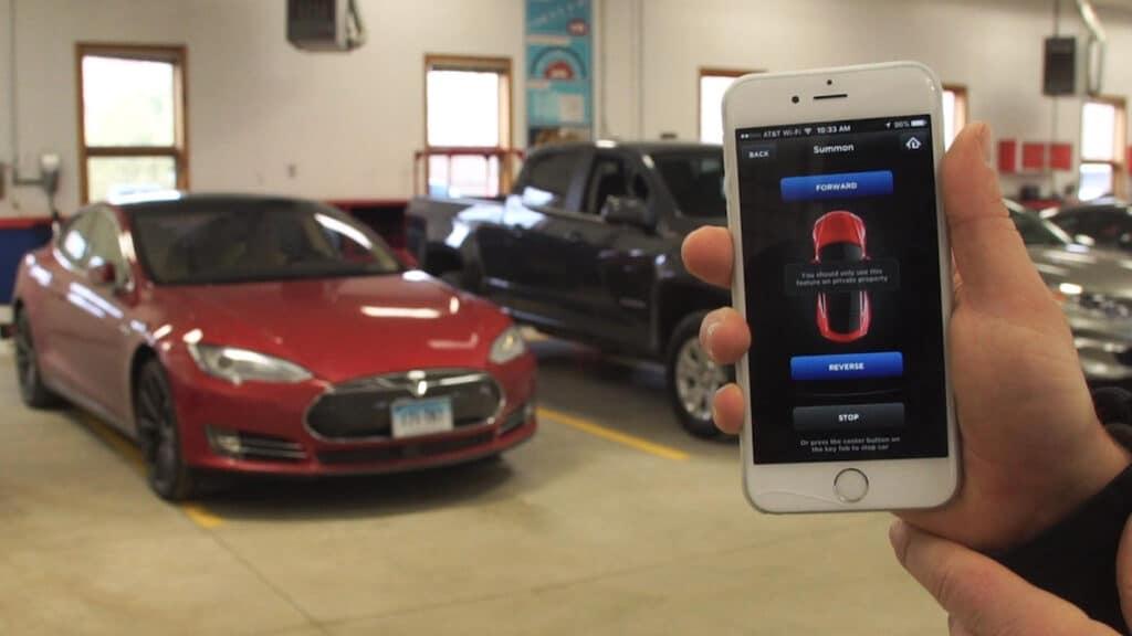 Tesla'nın Summon özelliği