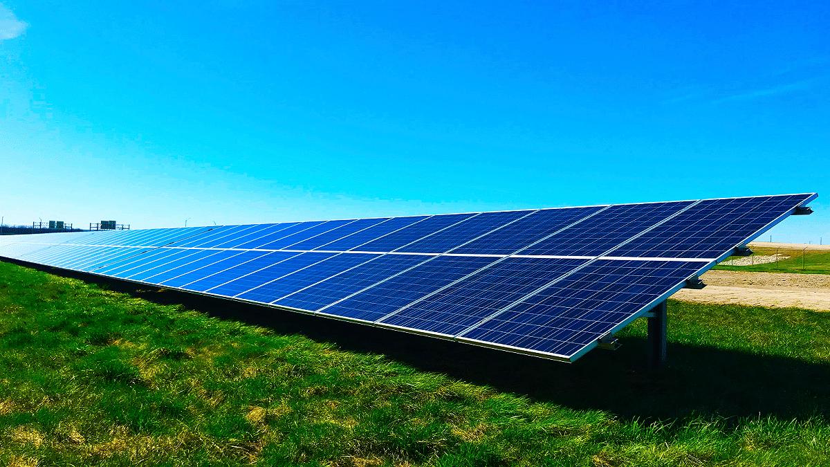 güneş enerjisi üretiminde kullanılan güneş panelleri