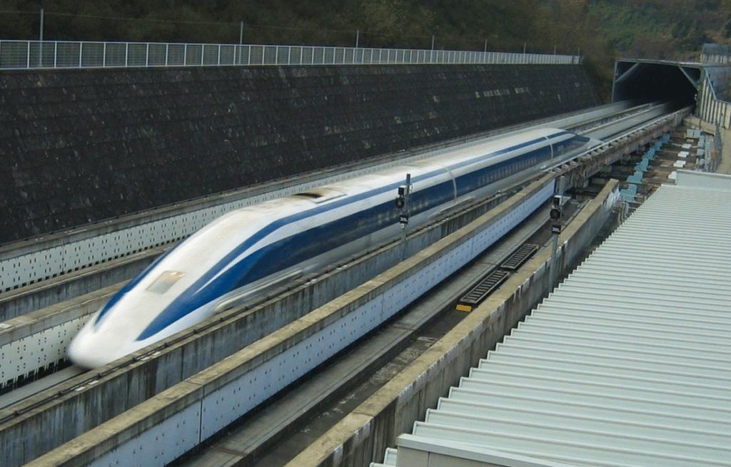 Süperiletkenlik esasına dayalı çalışan maglev treni