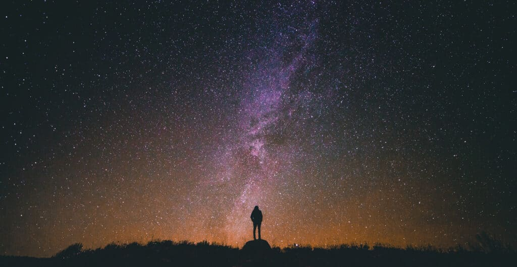 Evrende Yalnız mıyız?
