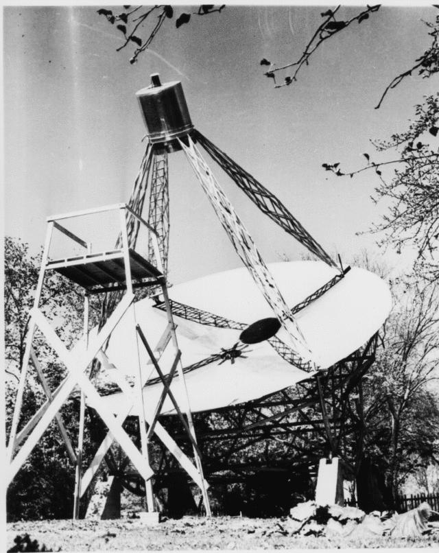 Grote Reber tarafından inşa edilen radyo teleskop