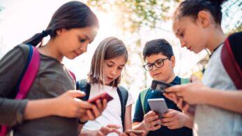 Çocuklar ve Teknoloji: Kaç Yaşında Telefon Alınmalı?