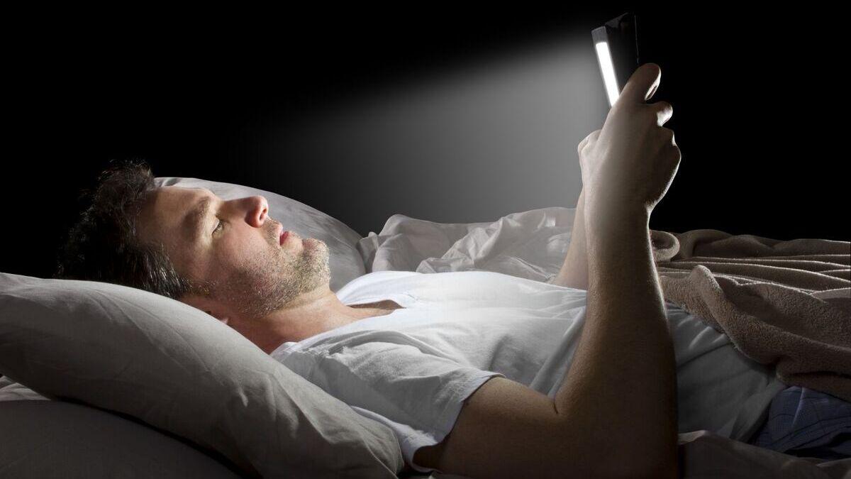 Teknolojik Aletler Uykumuzu Nasıl Etkiliyor?