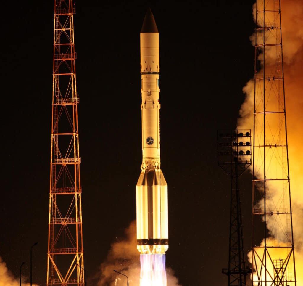 Express AM4 Uzay mekiği kazaları