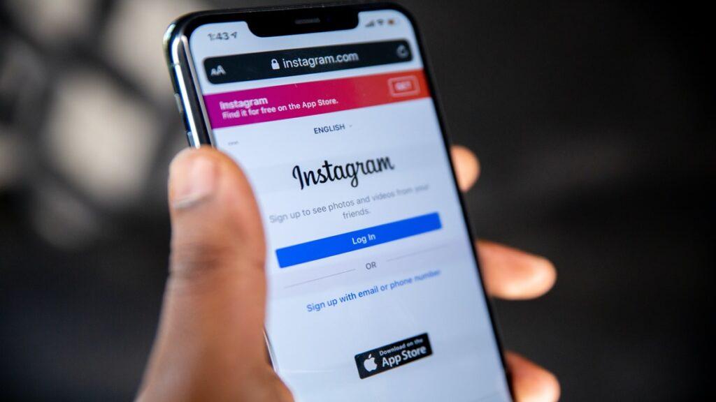 Instagram Hikayelere Alt Yazı
