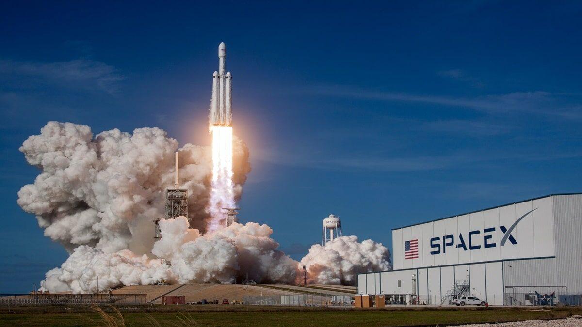 NASA ve SpaceX Anlaşma İmzaladı