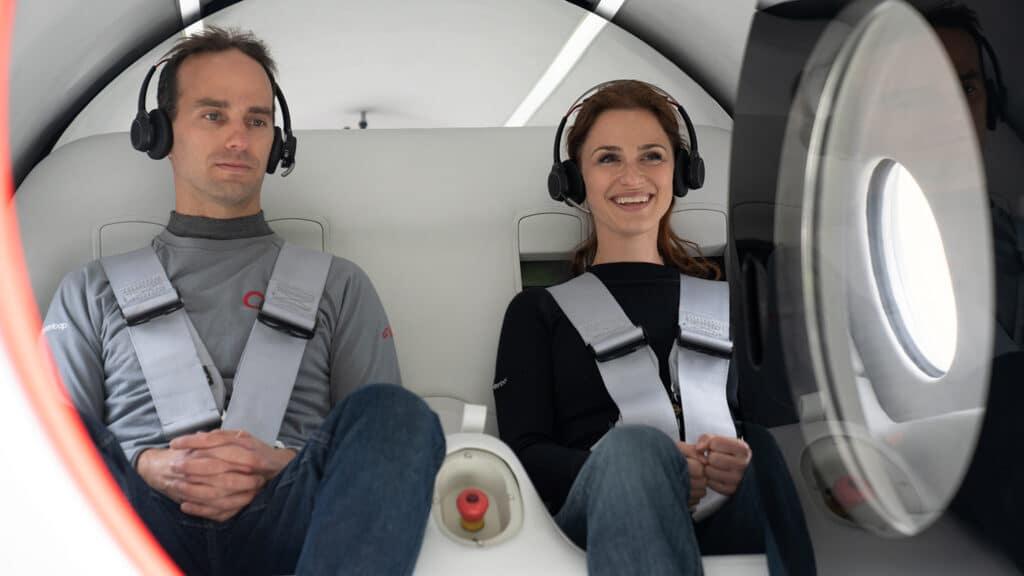Virgin Hyperloop'un ilk insanlı test sürüşü.