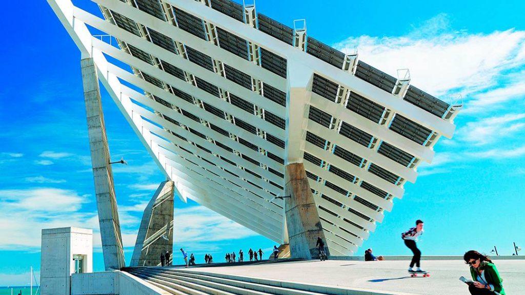 Parc Del Forum Güneş Panelleri güneş enerjisi çiftlikleri