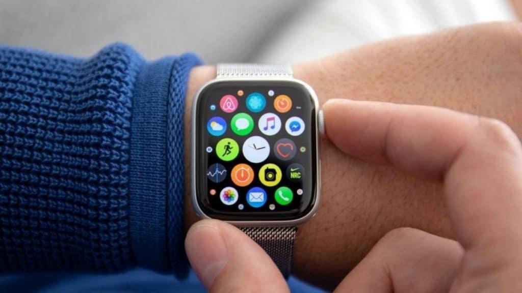 Apple-watch-gelecek-nesil-farkli-ozellikler-sunabilir