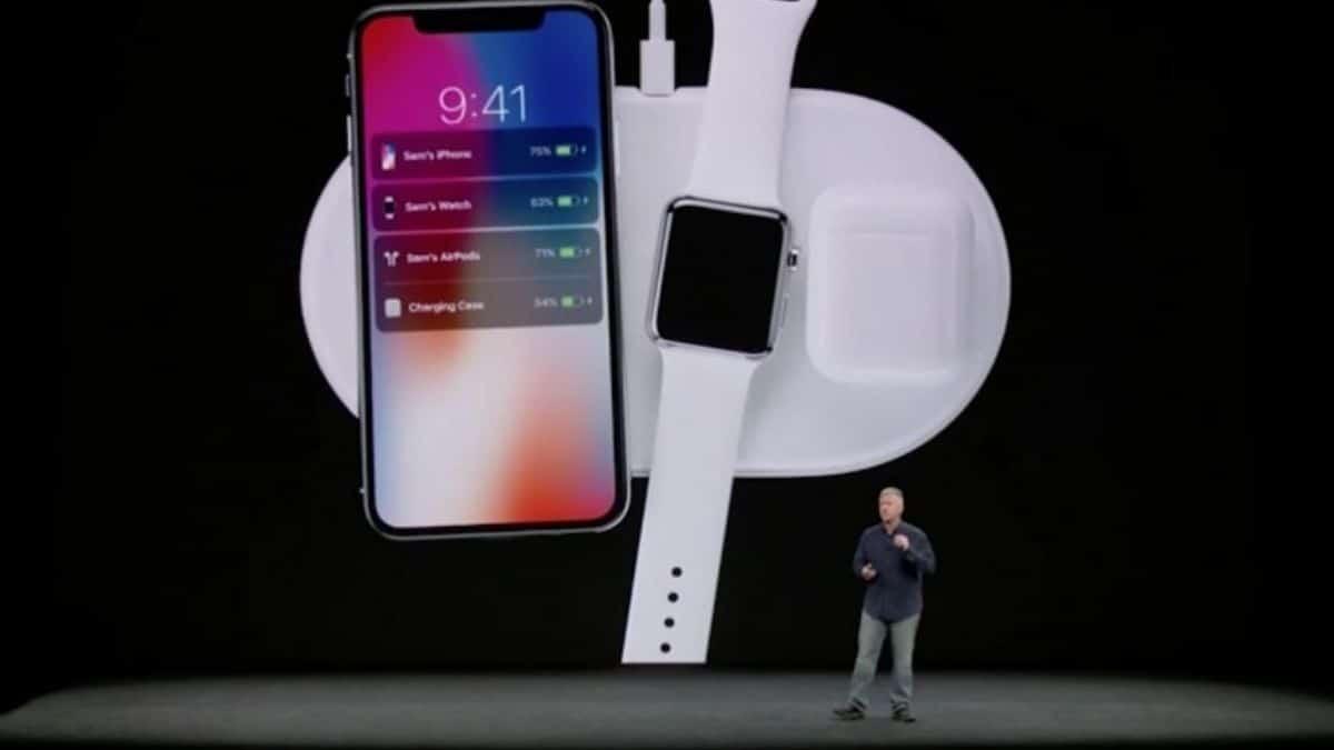 Apple yeni kablosuz şarj cihazı üstünde çalışıyor.