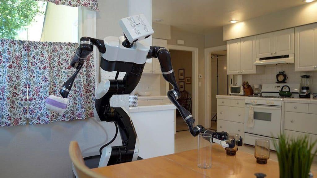 toyota robotları bardak taşıyor