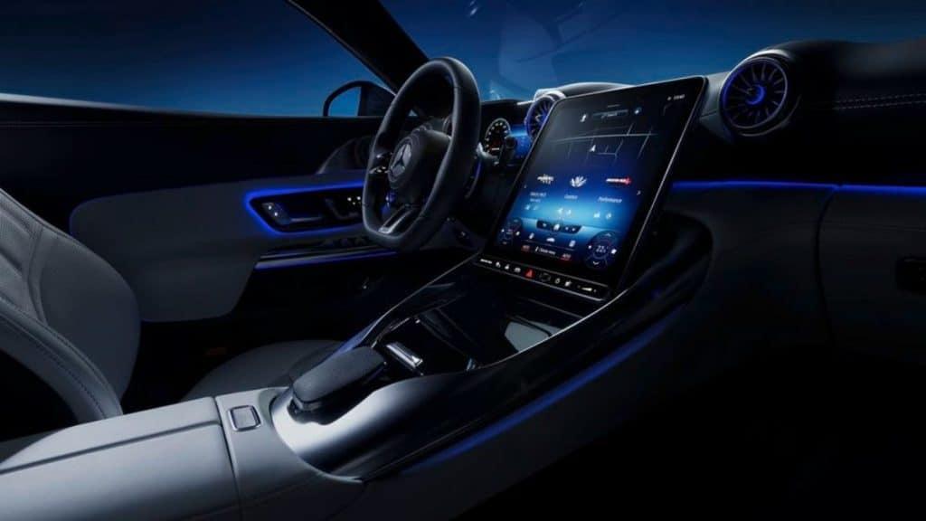 Mercedes 2022 AMG SL Roadster multimedya ekranı