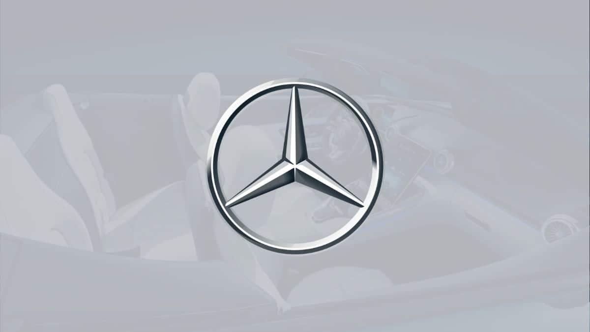 Mercedes yeni multimedya ekranı