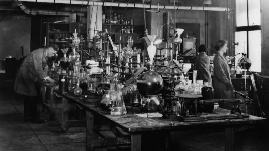 1920 Sentetik Kimya Laboratuvarı