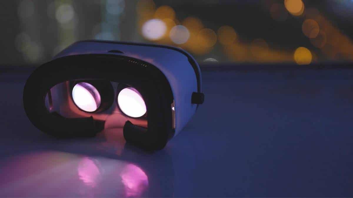 Valve Deckard Adında VR Başlık Geliştiriyor!