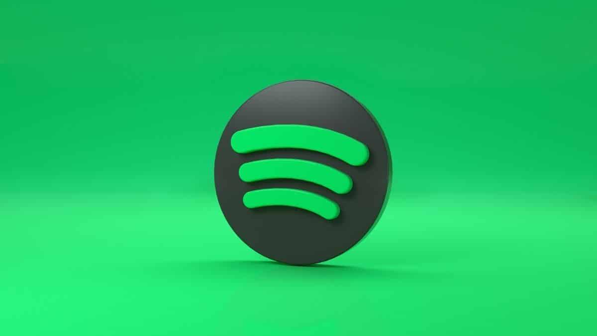 spotify apple podcastin koltuğuna göz dikti