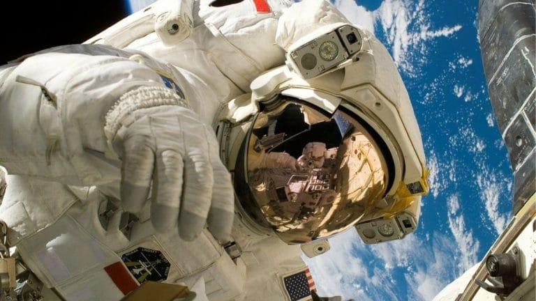uzayda astronot uzay araştırmaları