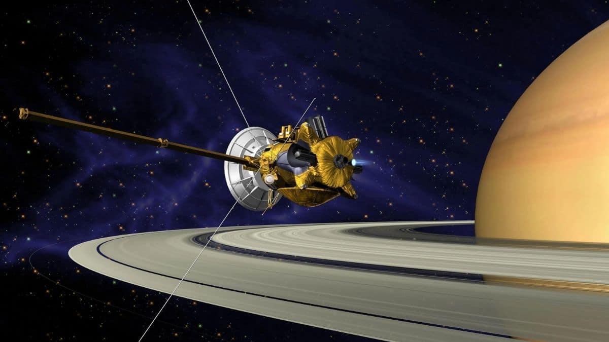cassini uzay aracı nedir